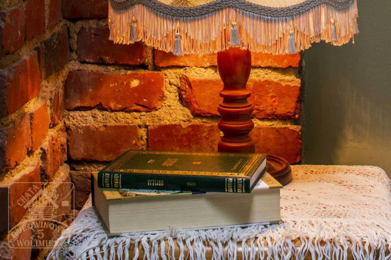 lampa w pokoju malachit