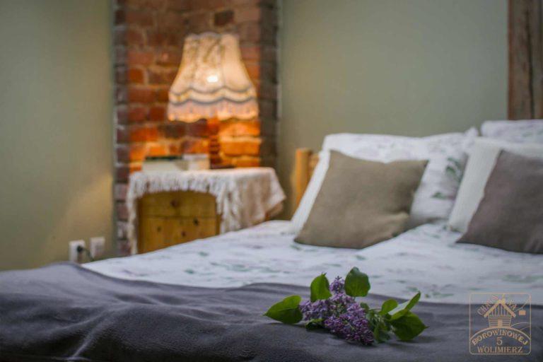 łóżko pokoju malachit