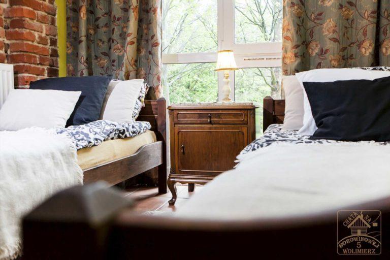 studio rubin poduszki na łóżku