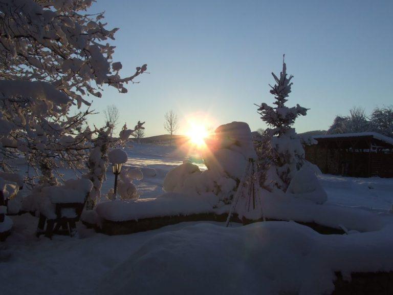 wschód zimą